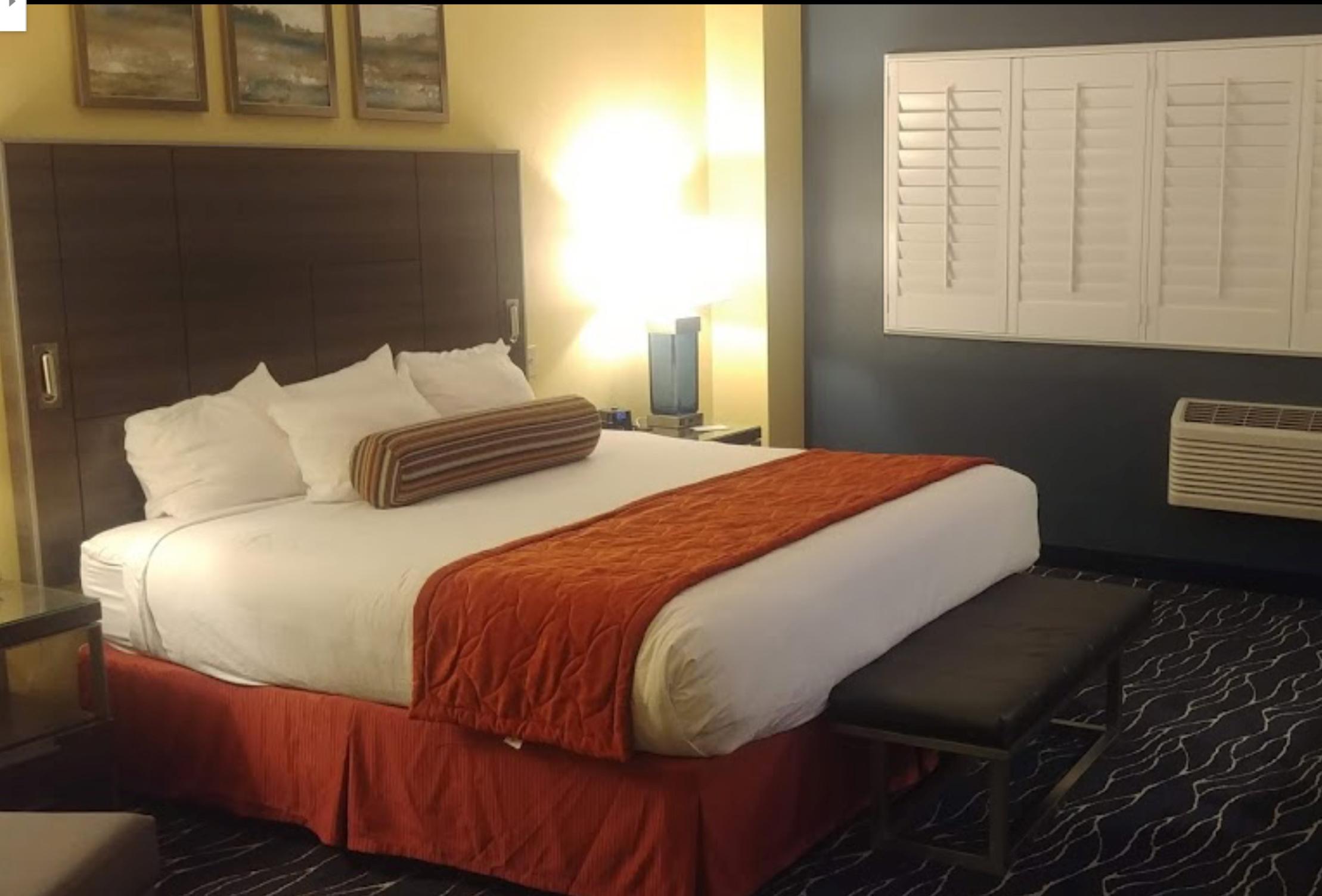 Desert Diamond Casino Bedroom
