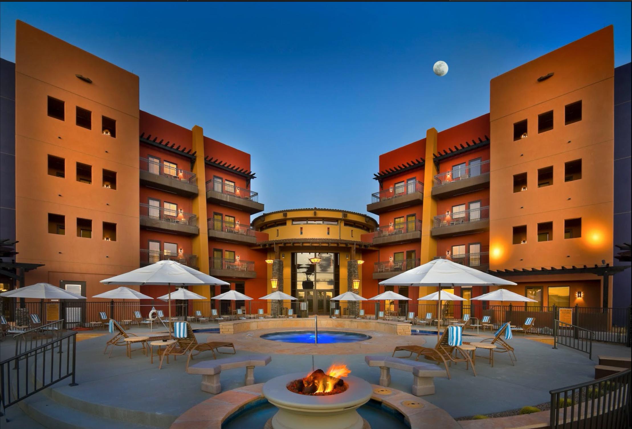 Desert Diamond Casino Swimming Pool
